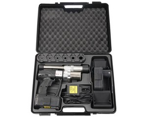 """Пресс-инструмент ЗУБР """"ШиреФит"""" электрический для развальцовки труб, в пластиковом кейсе, 14-32мм"""